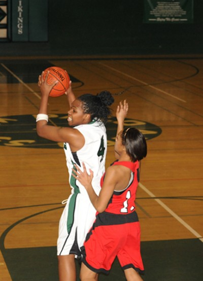 Girls' basketball falls to Lincoln in NorCals, 56-34