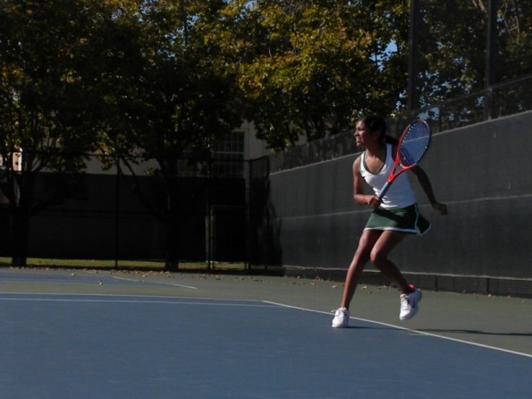 Girls' tennis falls to Saratoga 1-6