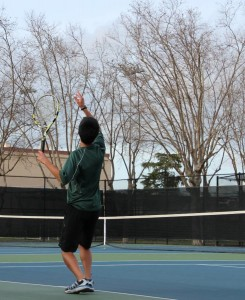 Boys' varsity tennis falls to Los Altos 5-2