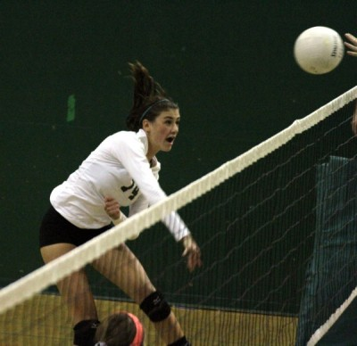 Volleyball withstands late surge from Homestead, wins 3-1