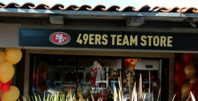 49ers team store opens at Town and Country