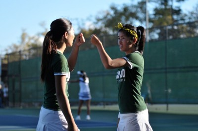 Girls' tennis takes home 5-2 win in second-to-last league match