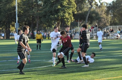 Boys&#8217; soccer stomps crosstown rival 2-0