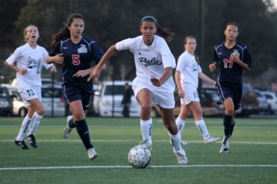 Girls&#8217; soccer adds another win after shutting out Lynbrook
