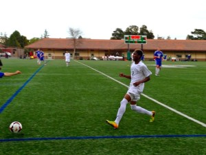 Srinivasan ('16) nets Vikings' only goal, boys' soccer ties Los Altos