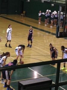 Girls' basketball surrenders loss to Lynbrook, 42-30