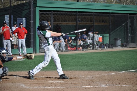 Baseball ousts Saratoga, 6-4