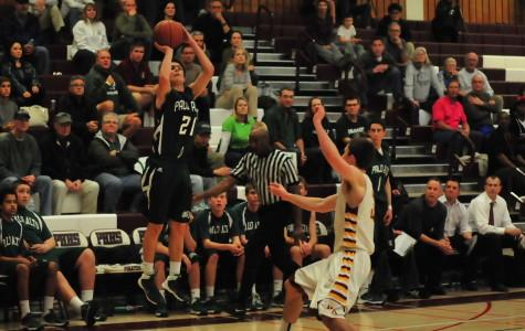 Boys' Basketball falls to Menlo-Atherton 51-43 in CCS