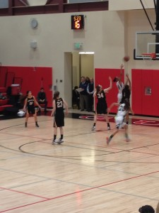 Girls' basketball comes from behind to defeat Mountain View 57-54
